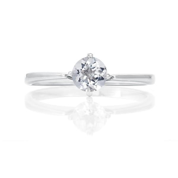 Кольцо с белым бериллом из серебра 925 пробы