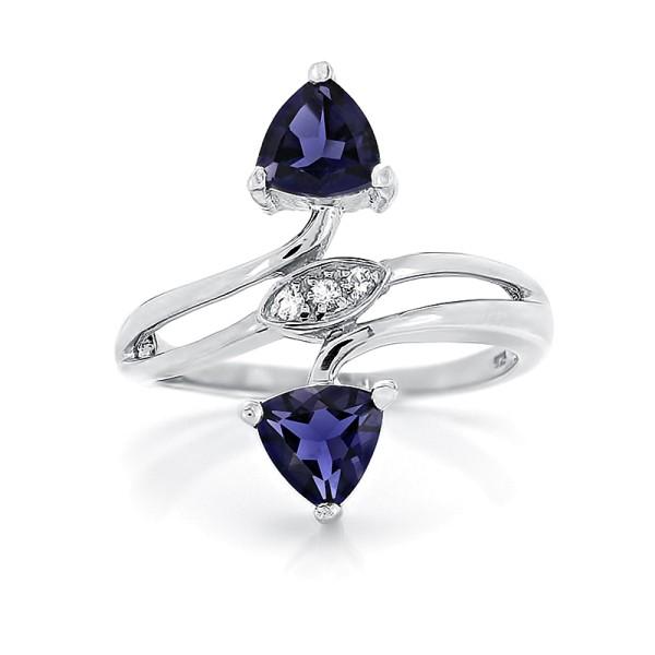 Кольцо с иолитами из серебра 925 пробы