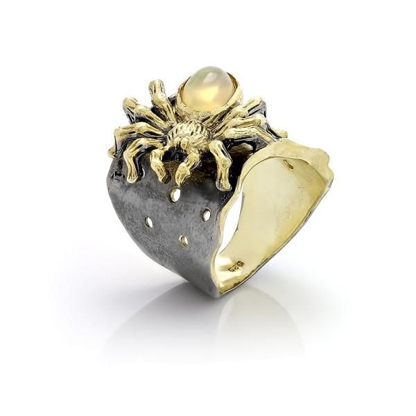 Кольцо с опалом из серебра 925 пробы