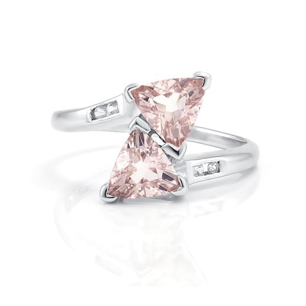 Кольцо с морганитом из серебра 925 пробы