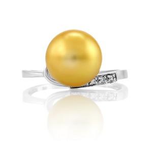 Кольцо с морским жемчугом в серебре 925 пробы